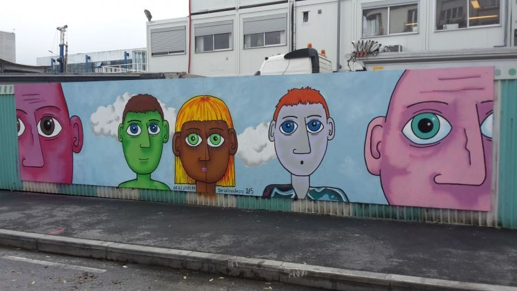 Station Gares - Graffeur et peintre : Eric Quemener