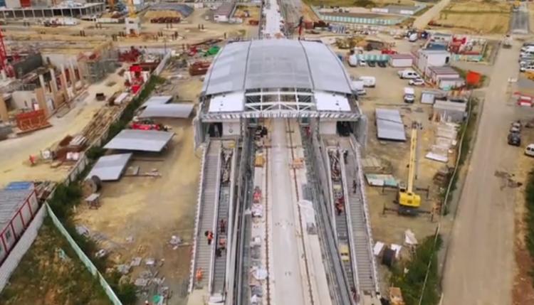 Station Cesson-Viasilva - Juillet 2020 - Installation des escaliers mécaniques